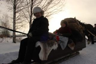 To blide lasskjørere; Bjarne og Eli Lang-Ree. Denne ekvipasjen og Bjarne ble ikke med lenger enn første dager, mens Eli skal hele veien til Røros. (Foto: K.Bogsti)