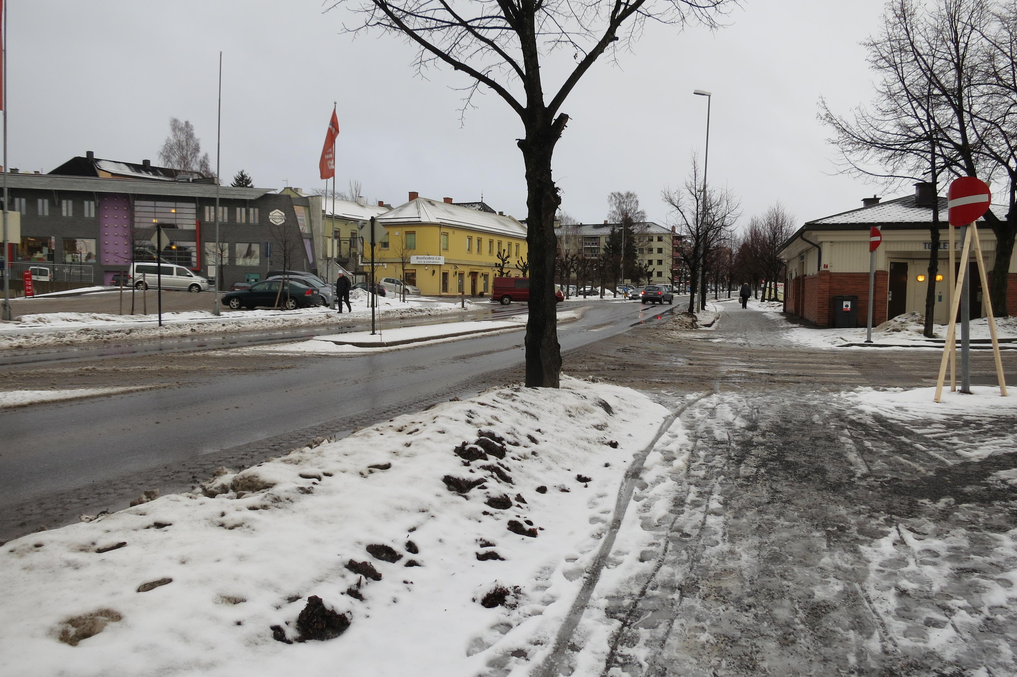 Bløtt og dårlig føre på Hamar på avreisedagen. Foto: K. Bogsti