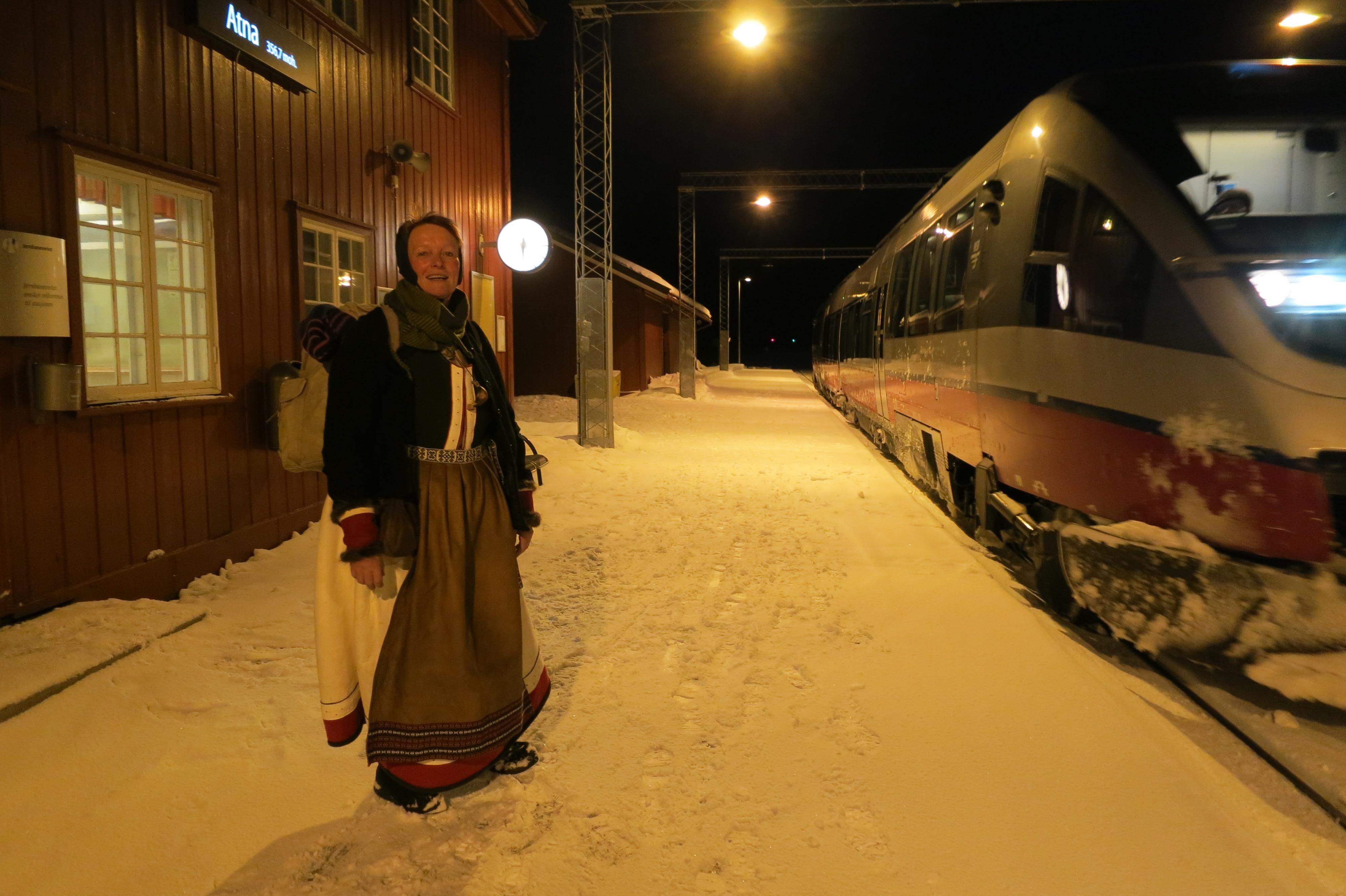 Endelig framme på Atna stasjon. Foto: Karine Bogsti