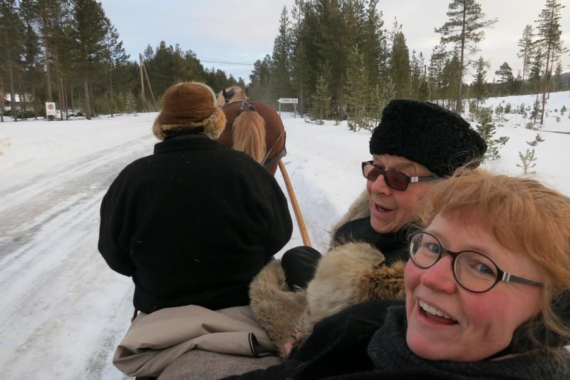 Helge og Karine synes det er artig å passere Fias, for da blir det fagprat.
