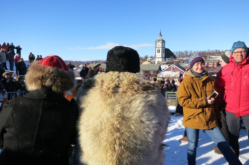 Alltid spennende å kjøre inn med så mye folk som ser på. Foto: Karine Bogsti