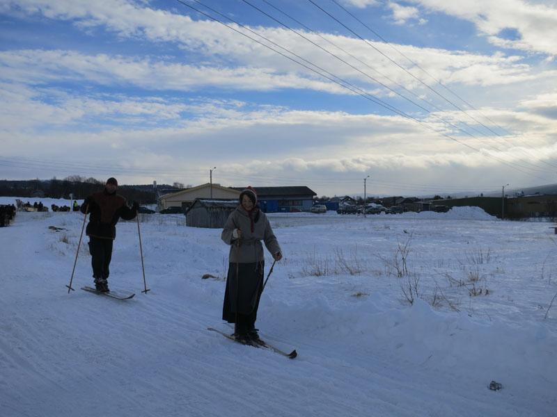 Lasskjørerne fra Dalarne/Femund har skiløpere i spissen. Foto: Karine Bogsti