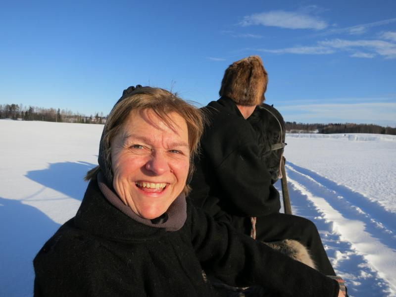 Stange, fineste plass på jord! Stort smil fra Marit (stangessokning). Foto: Karine Bogsti