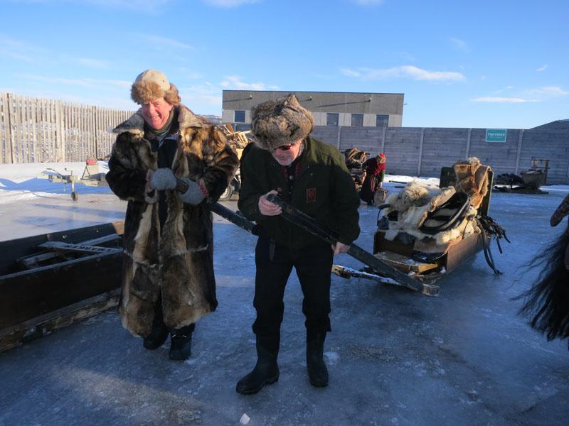 Kjell Aage og Mikkel tar over jobben til hesta heretter ;-) Foto: Karine Bogsti
