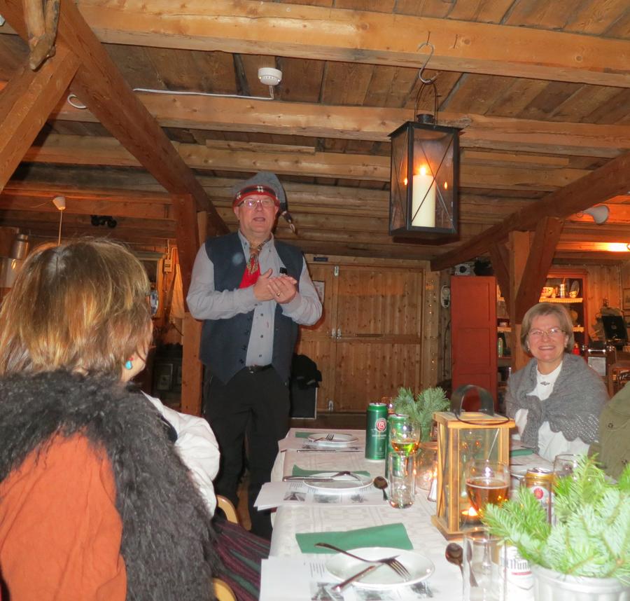 Blir alltid glising når foreningas leder i dag, Bjarne Lang- Ree, sier noen velvalgte ord :-)