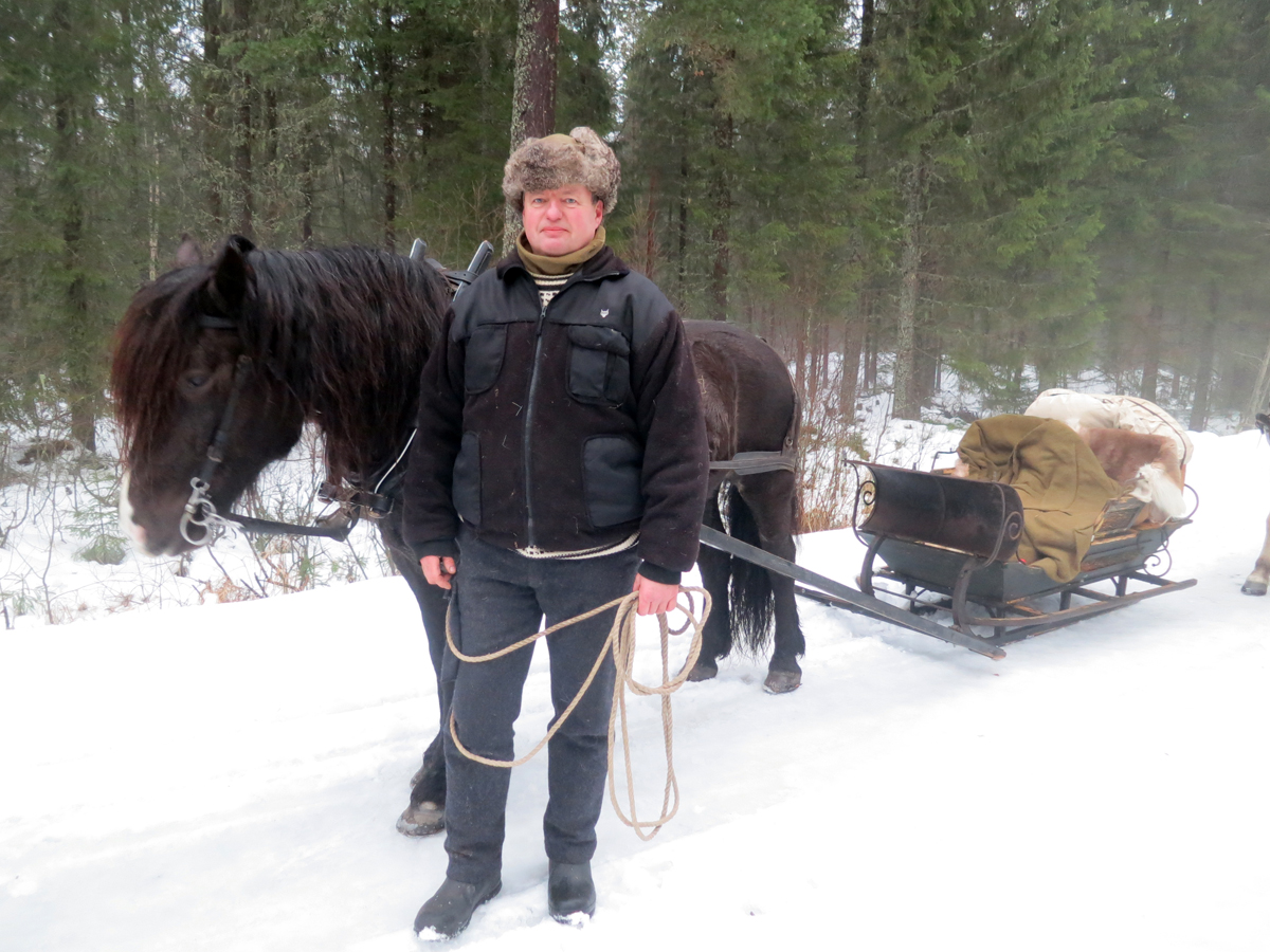 Bjørn Johan Karterud fra Løten og hesten Lililja var med fra Atlungstad til Elverum. Foto: Karine Bogsti