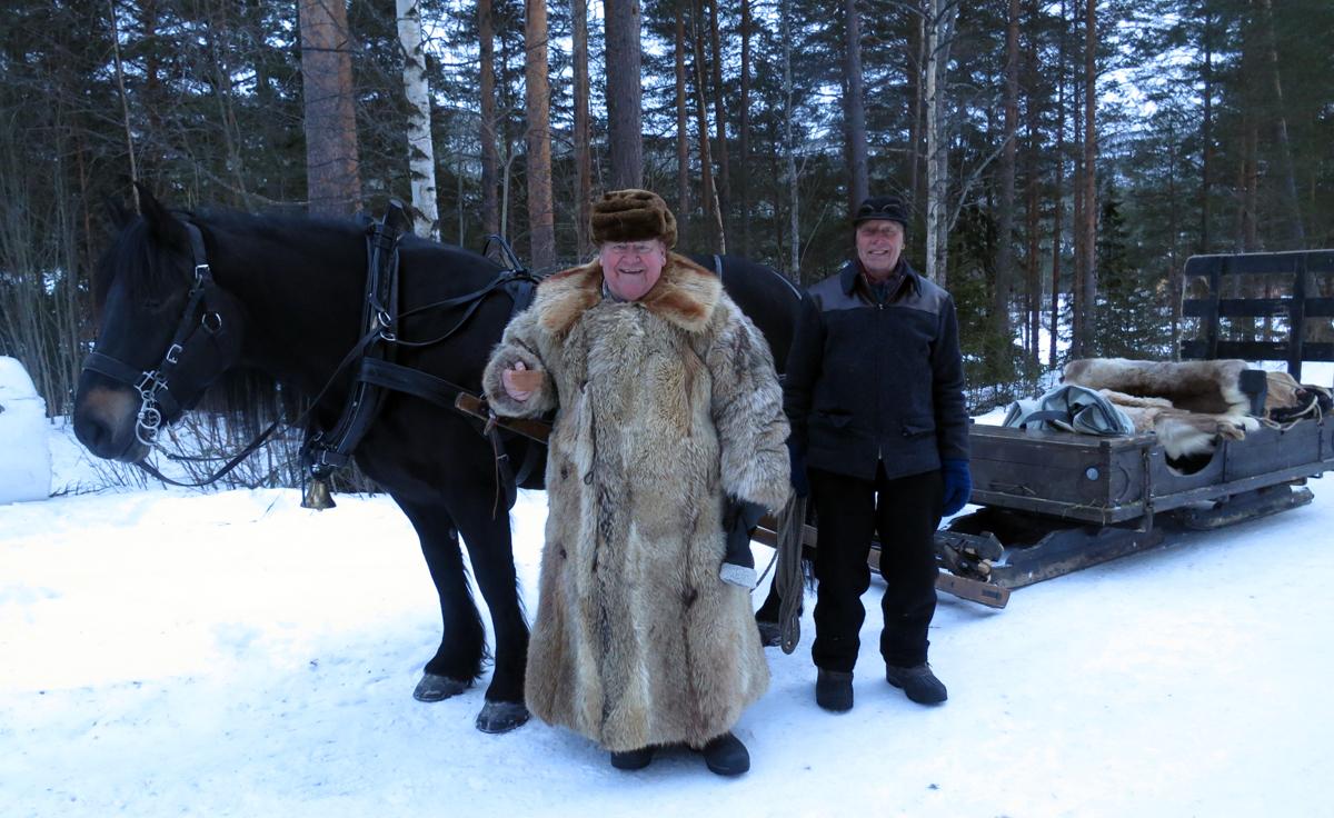 Hesten Molly med Erik Flagstad (eier) og Emil Bryn. Foto: Karine Bogsti