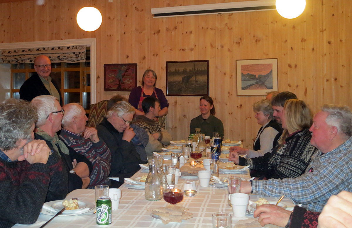 Erling Birger og Mette Sand Semmingsen serverte oss en herlig treretters middag på Telstad i kveld. Foto: Karine Bogsti