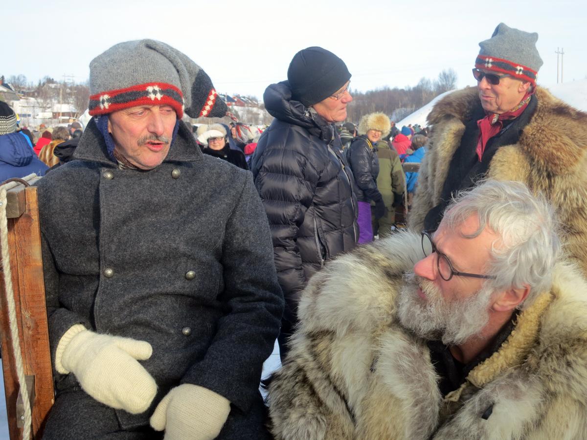 Hyggelig møte mellom lasskjørere; Per Erling Aasen og Jørgen Hveem. Foto: Karine Bogsti