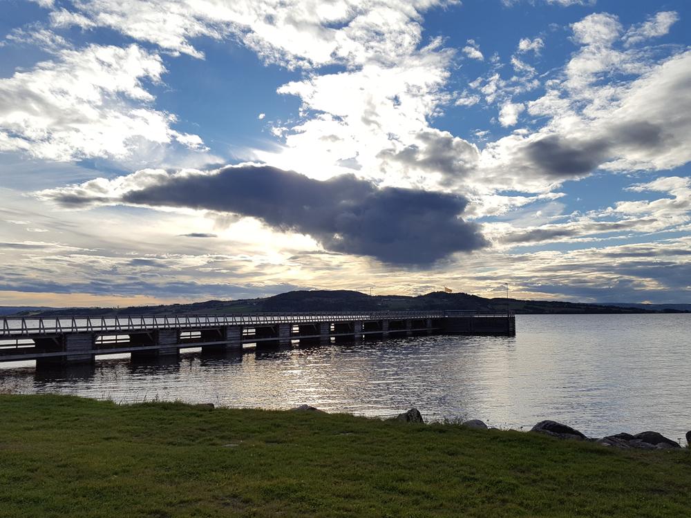 Brygge på Atlungstad er satt opp igjen slik den var på 1800-tallet. Foto: Karine Bogsti